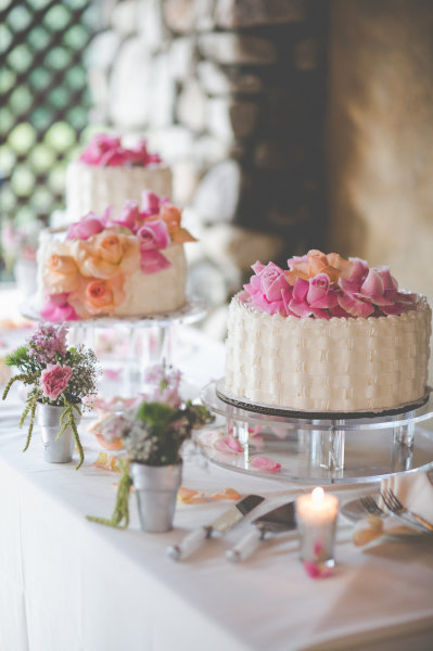 Three piece cake. Simple and romantic!